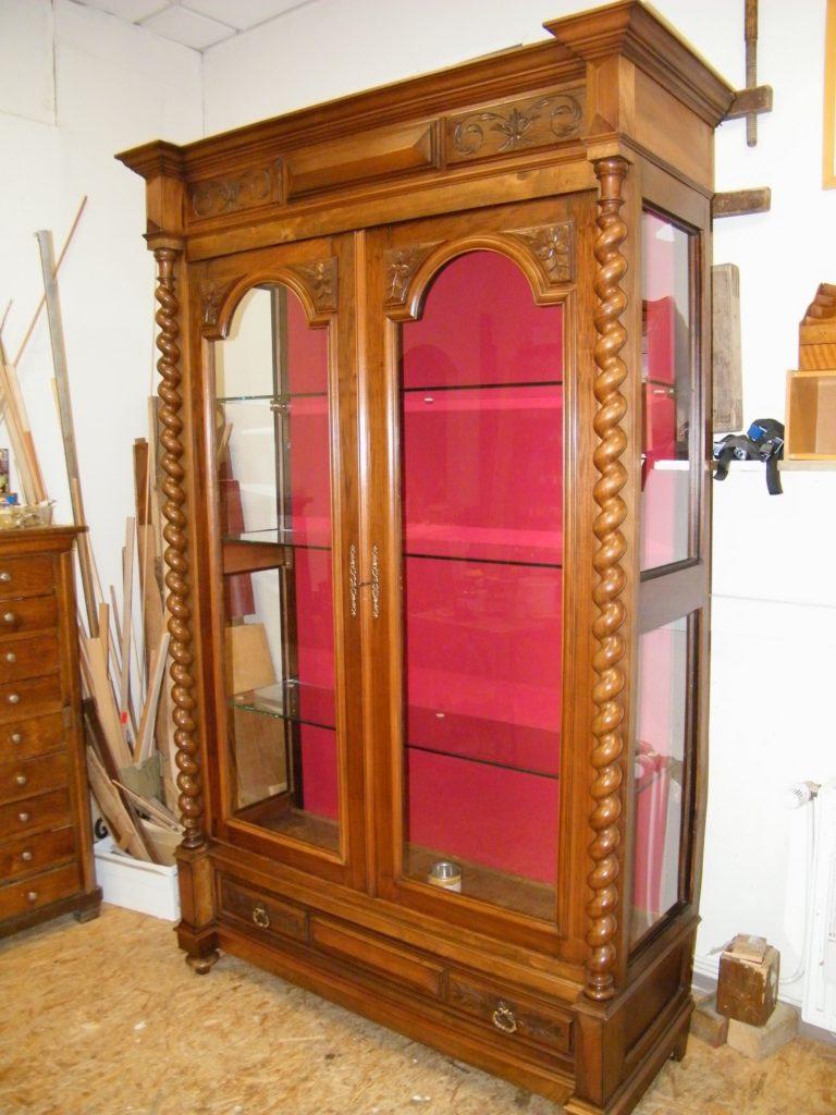 Transformation d'une armoire en vitrie - après